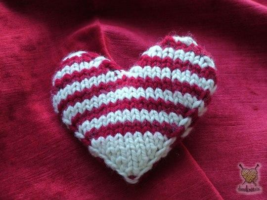 68d8a-knit2bheart
