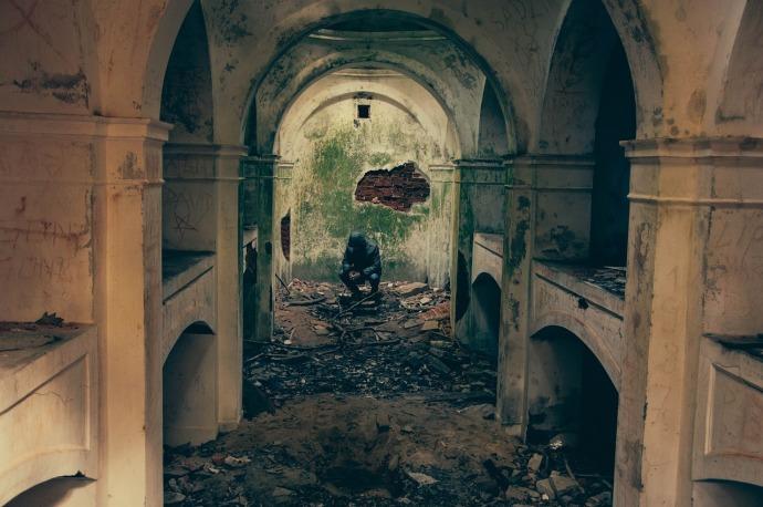 bombed-932108_1280
