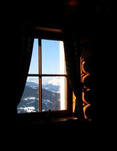winter-window-mountains