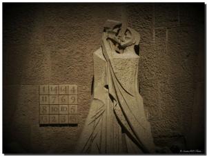 Barcelona-Kiss-large